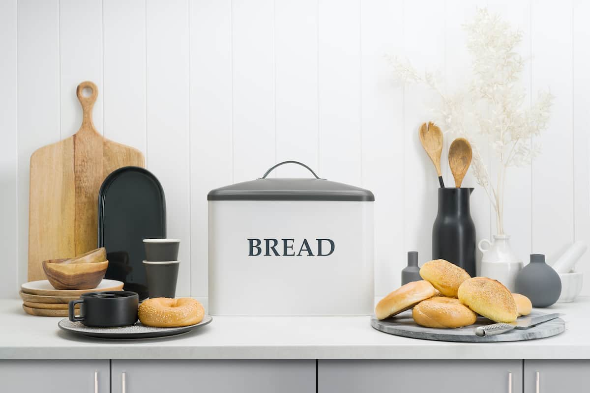 KENNEDY Large White Bread Box for Kitchen