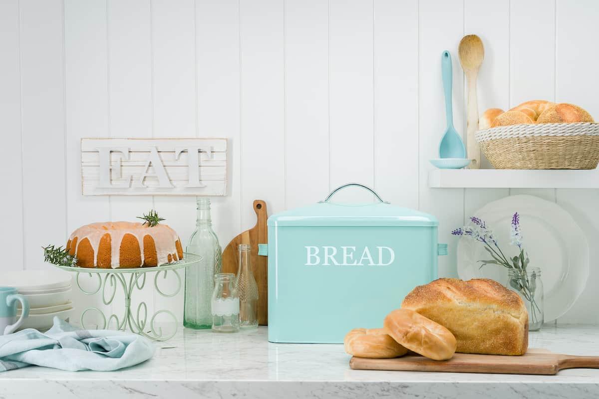 PENNSYLVANIA extra large turquoise bread box